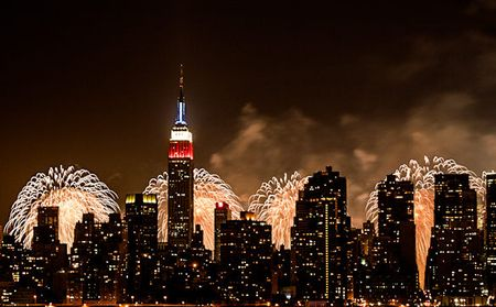 Fireworks-new-york-july-4th-nyc